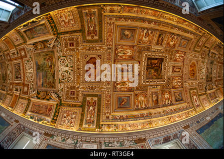 Corridor known as the long map gallery, leading to the Sistine Chapel, Vatican Museum, Rome, Italy. - Stock Image