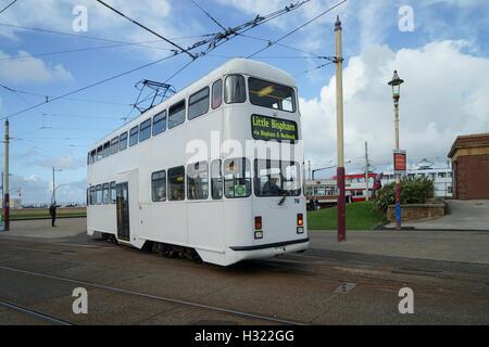 Blackpool Rebuilt Balloon Tramcar No.718 at Pleasure Beach Loop -1 - Stock Image