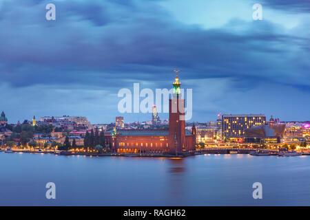 Stockholm City Hall at night, Stockholm, Sweden - Stock Image