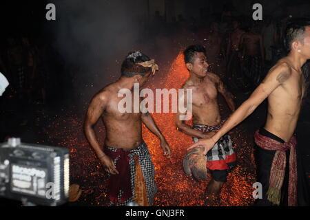 Fire Fighting in Ubud village - Stock Image