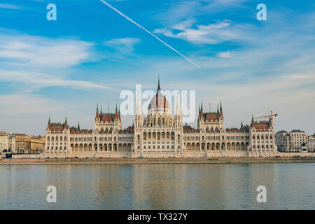 Exterior view of the Hungarian Parliament Building with River Danube at Budapest, Hungary - Stock Image
