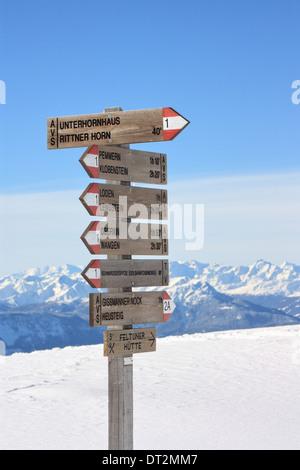 Sign post to Unterhornhaus at Rittner Horn / Corno del Renon, Dolomite Alps in winter - Stock Image