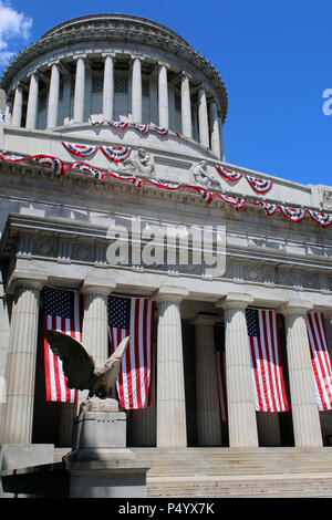 NEW YORK, NY - JULY 8: Exterior of General Grant National Memorial in Morningside Height in Manhattan on JULY 8th, 2017 in New York, USA. (Photo by Wo - Stock Image