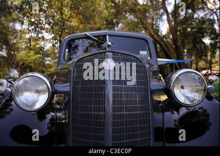 Vintage Bedford motor car, front view - Stock Image