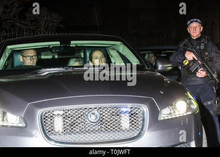 London, UK. 20th March, 2019. Prime Minister Theresa May leaves the House of Commons on the evening that Prime Minister Theresa May was meeting Opposition leaders to discuss extending Article 50 before travelling to Brussels tomorrow for an EU summit. Credit: Mark Kerrison/Alamy Live News - Stock Image