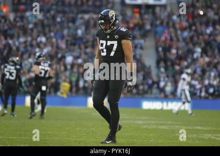 London, UK. 28 October 2018.  Jacksonville Jaguars Tight End Blake Bell (87)   at the Eagles at Jaguars - credit Glamourstock Credit: glamourstock/Alamy Live News - Stock Image