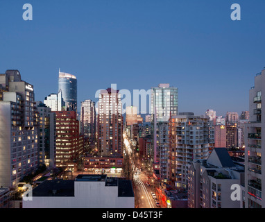 Looking north up Howe Street during dusk, Downtown Vancouver, British Columbia, Canada - Stock Image