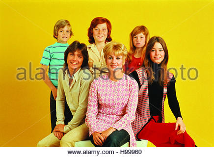 PARTRIDGE FAMILY circa 1970s.  Clockwise from front row:  David Cassidy, Shirley Jones, Susan Dey, Suzanne Crough, - Stock Image