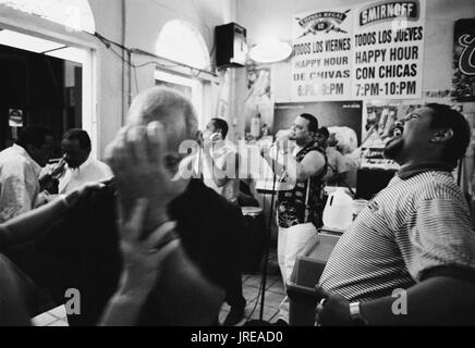The salsa band 'Son de Ayer' rocks  the house at Santurce's Los Taberna bar. Santurce is a neighborhood East  of colonial San Juan.  It's marketplace  - Stock Image