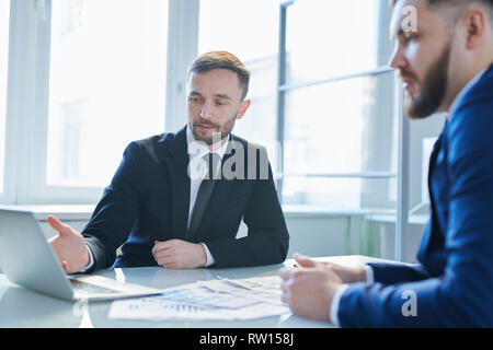 Man making presentation - Stock Image