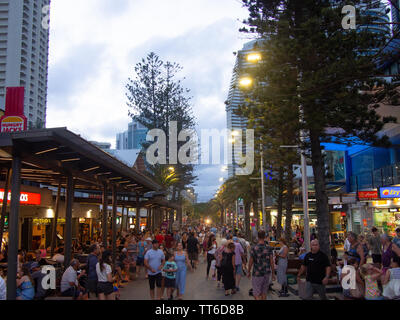 Crowd Of Tourists At Surfers Paradise - Stock Image