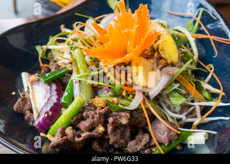 Vietnamese dry noodle served at a restaurant - Stock Image