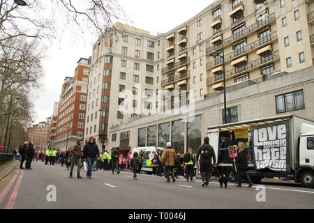 London, UK - 16 March 2019:  Park lane was closed as demonstrators assembled for a rally ahead of the march, where Thousands of people took part in the UN Anti-Racism Day demonstration that took place in central London on 16 March. The demonstration which began in Park Lank and ended outside Downing Street was organised by Stand Up to Racism and Love Music Hate Racism and supported by the TUC and UNISON. Photo: David Mbiyu Credit: david mbiyu/Alamy Live News - Stock Image