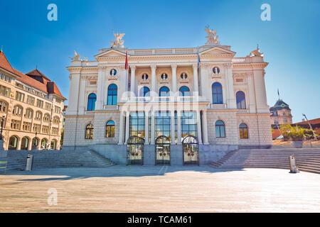 Zurich opera house and Sechselautenplatz town square view, largest city in Switzerland - Stock Image