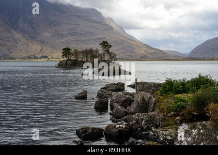 Early morning on Upper Loch Torridon, Applecross Peninsula, Wester Ross, Highland Region, Scotland - Stock Image