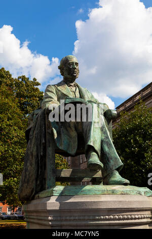 William Edward Hartpole Lecky Statue, Trinity College, Dublin - Stock Image