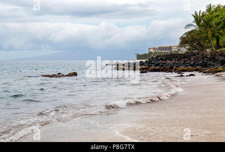 Beach on the west coast of Maui - Stock Image