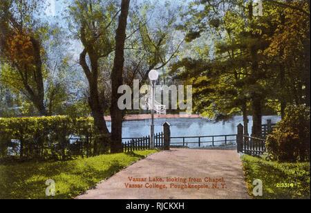 Vassar Lake (looking from the Chapel), Vassar College, Poughkeepsie, New York State, USA. - Stock Image