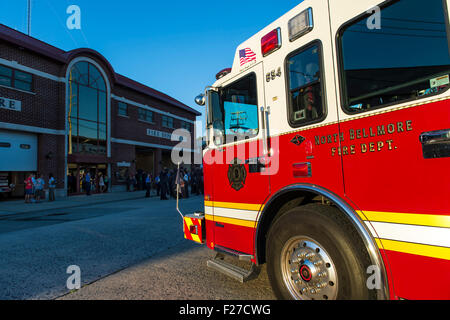 Bellmore, New York, USA. 11th September 2015. A North Bellmore Fire Dept. fire engine is parked in front of the - Stock Image