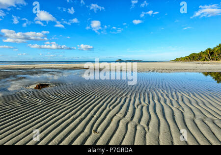 Sand patterns leading lines at Chilli Beach, Cape York Peninsula, Far North Queensland, FNQ, QLD, Australia - Stock Image