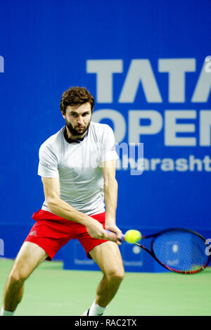 Pune, India. 3rd January 2019. Gilles Simon of France in action in the last quarter final of singles competition at Tata Open Maharashtra ATP Tennis tournament in Pune, India. Credit: Karunesh Johri/Alamy Live News - Stock Image