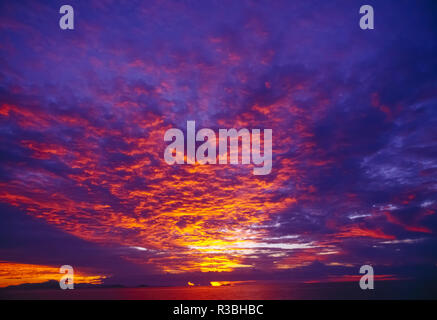 Vibrant sunset, Western Pacific - Stock Image