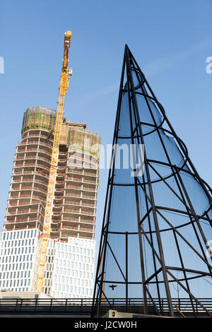 Germany, Berlin. New construction and modern building's superstructure. Credit as: Wendy Kaveney / Jaynes Gallery - Stock Image