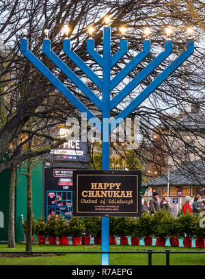 Edinburgh, Scotland, United Kingdom, 8th November 2018. Christmas celebrations: A busy Saturday in the capital city centre at Edinburgh's Christmas celebration venues.  A chanukah at St Andrew Square Gardens entrance - Stock Image