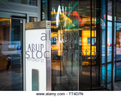 Arup Group Head Office Fitzrovia London - The HQ of the Arup Group, an Engineering and Design company founded in 1946 by Ove Arup. Arch Sheppard Robson - Stock Image
