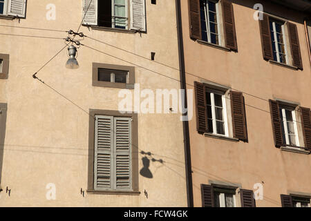 Medieval houses in the Citta Alta (Upper Town) in Bergamo, Lombardy, Italy. - Stock Image