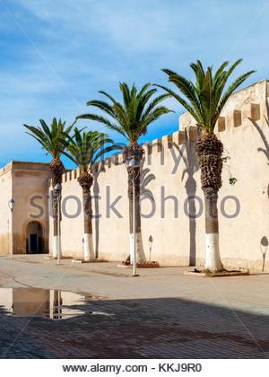 Morocco, Marrakesh-Safi (Marrakesh-Tensift-El Haouz) region, Essaouira.18th century city walls ramparts. - Stock Image