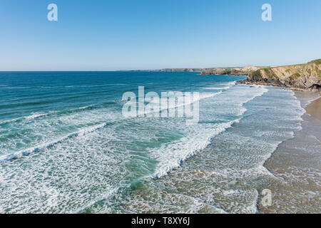 Incoming tide at Tolcarne Beach in Newquay in Cornwall. - Stock Image