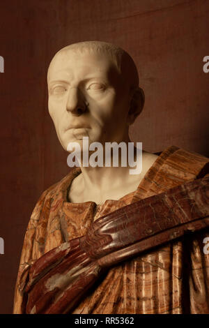 17th century Italian bust of Cicero at the Château de Chantilly, Oise, France - Stock Image