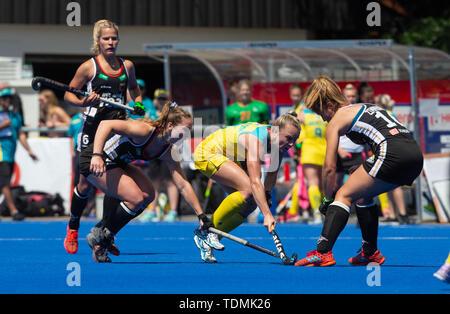 Krefeld, Germany, June 16 2019, hockey, women, FIH Pro League, Germany vs. Australia:  Jane Claxton (Australia, C) and Sonja Zimmermann (Germany, R) f - Stock Image
