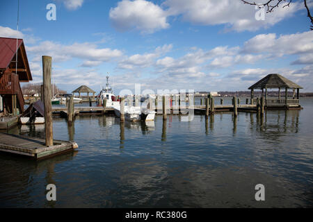 Alexandria's Old Town waterfront marina on the Potomac river in the Old Town, Virginia USA - Stock Image