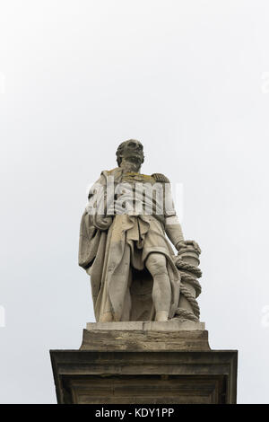 Statue of Admiral Collingwood (1748-1810) at Tynemouth. Admiral Collingwood led one of the two lines of ships which - Stock Image
