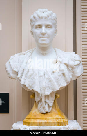 Liverpool Wirral Port Sunlight Village The Lady Lever Art Gallery white marble bust Lady Lever 1900 by Edward Onslow Ford nee Elizabeth Ellen Hulmne - Stock Image
