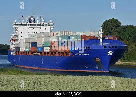 Containerfeeder Delphis Bothnia - Stock Image