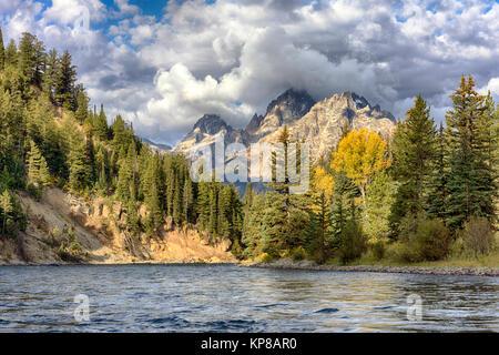 Snake River, Grand Teton, Jackson Hole, Wyoming, USA. Shot from a raft on the Snake River. - Stock Image