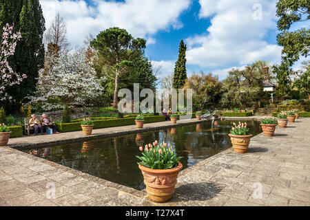 The Italian garden Borde Hill Gardens. - Stock Image