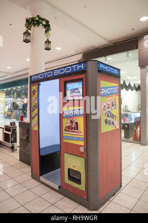 Photo Booth at shopping mall in Florida. - Stock Image