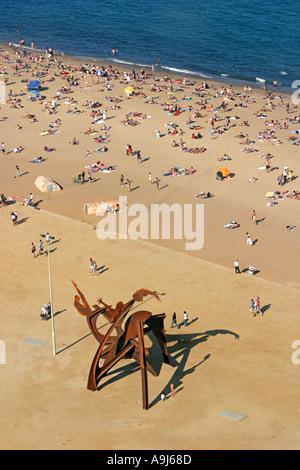 ESP Spanien Barcelona Barceloneta beach Sculpture birds eye view  - Stock Image