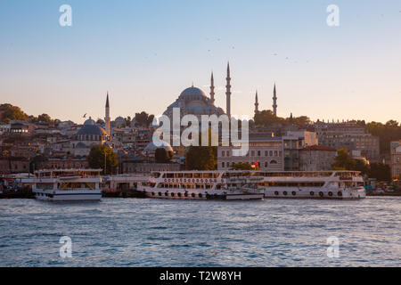 Beautiful view of the Golden Horn and  the Suleymaniye Mosque at sunset, Istanbul, Turkey - Stock Image