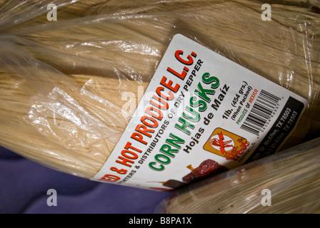 Corn husks Mexican foods at vegetable produce market San Antonio Texas Tx hojas de maiz - Stock Image