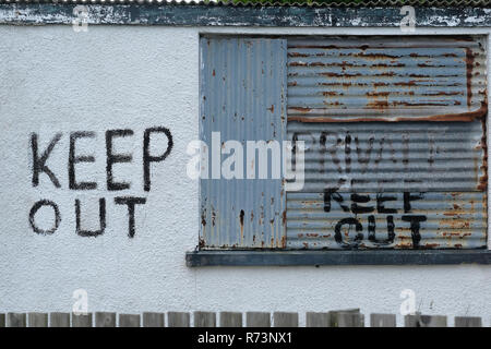 A keep out sign on a closed building in Cornwall, UK - Stock Image