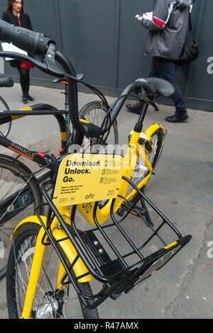 bikes, cycles, environmentaly friendly, green, London uk, ofo scan to go bike,eco. - Stock Image