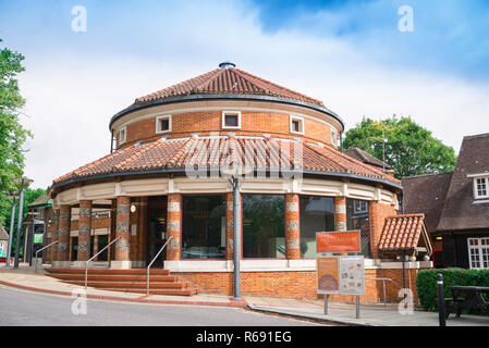 St Albans museum, view of the Verulamium Museum building in St Albans, Herfordshire, England, UK - Stock Image