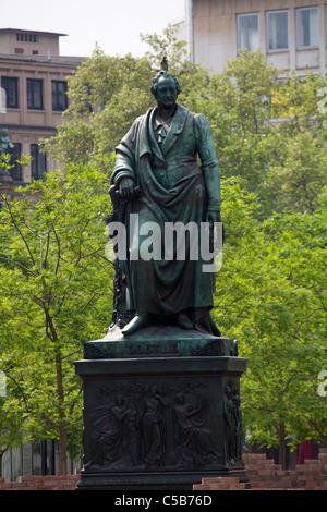 Frankfurt pauls platz Goethe statue poet Goethe - Stock Image