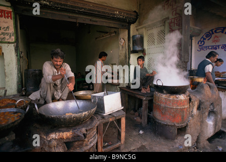 Cooking sweets in Pushkar Rajisthan India - Stock Image