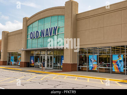 HICKORY, NC, USA-20 AUG 2018:  An Old Navy store, a clothing and accessories retailer owned by Gap, Inc. - Stock Image
